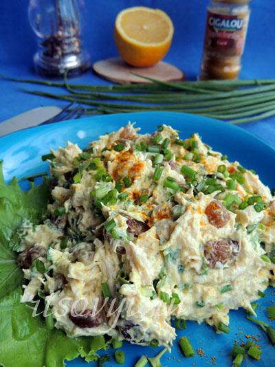 Салат из курицы с карри