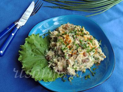 Салат из курицы с изюмом