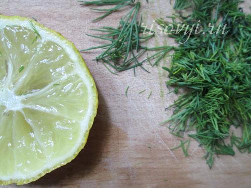 Морепродукты полейте лимонным соком