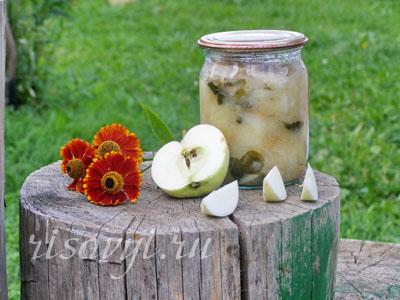 Яблочное пюре ребенку на зиму