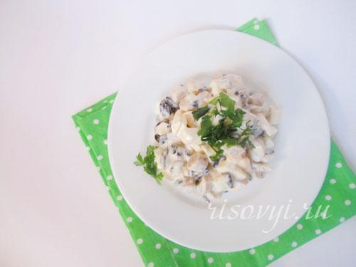 Салат: фасоль, грибы, яйца