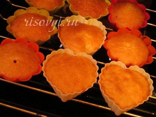 Бисквитные кексы с начинкой: рецепт