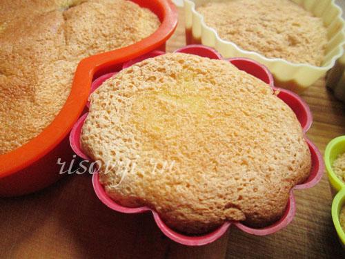 Бисквитные кексы в силиконовых формочках