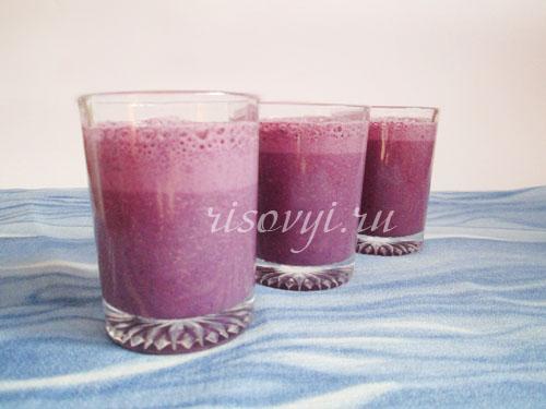 Рецепт молочного коктейля в блендере с голубикой