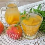 Как приготовить простой компот из персиков