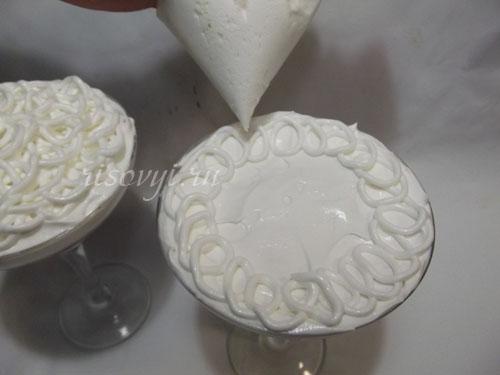 Десерт из яичных белков
