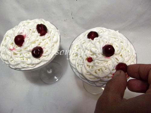 Десерт из взбитых белков