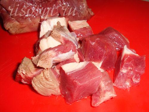 Мясо для жаркого в горшочках