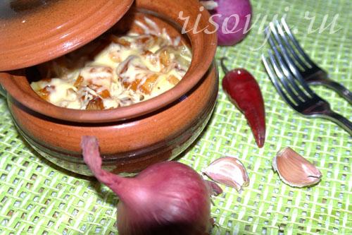 Жаркое в горшочках с мясом и грибами