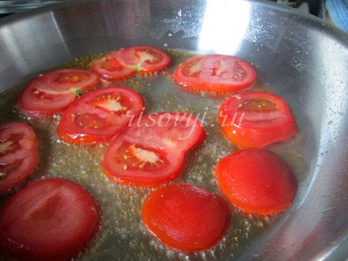Как готовить яичницу с помидорами: рецепт с фото