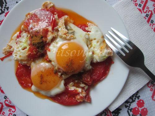 Яичница с помидорами: рецепт пошаговый с фото