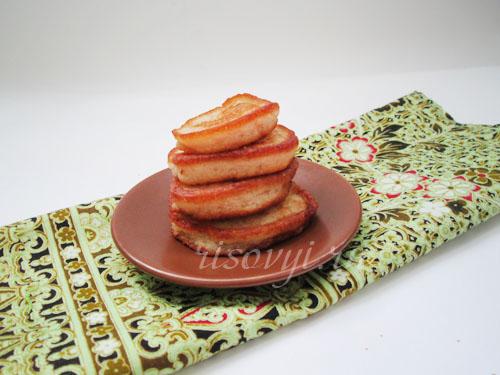Нежные оладьи с кусочками груши на сковороде - рецепт пошаговый с фото